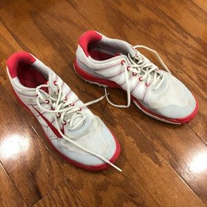 gently used golf shoes